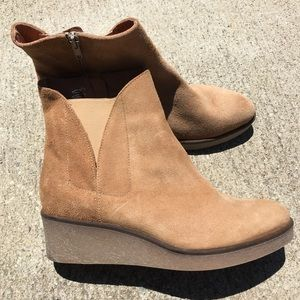 Matt Bernson Frieze Wedge Booties size 8.5